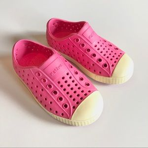 Native Jefferson pink girls toddler shoes 7 water